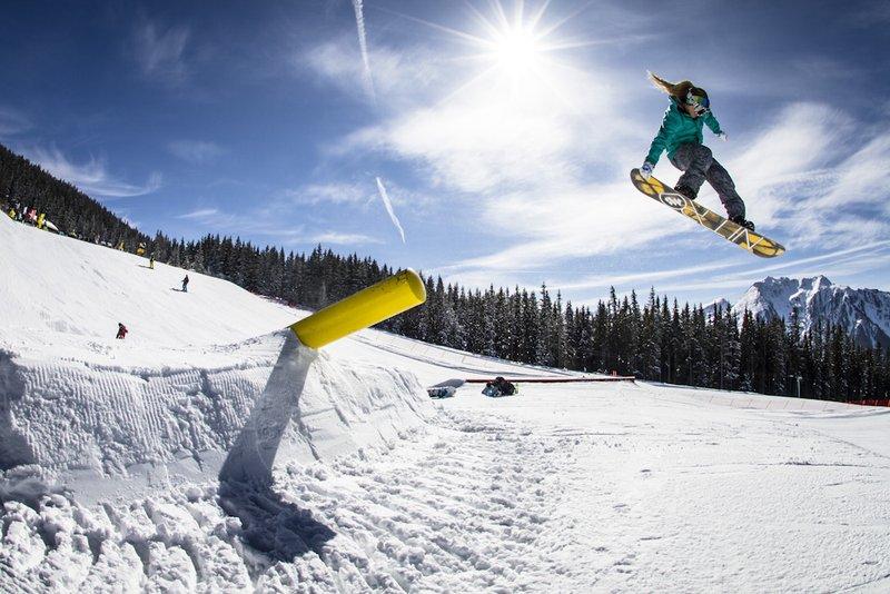 snowboarder-action.jpg.800x800_q85